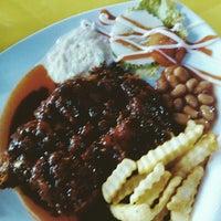 Photo taken at Restoran Sunbulah by Umrah S. on 2/11/2014