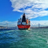 Photo taken at Besiktas - Uskudar Boat by sule 👟👟 e. on 11/5/2012