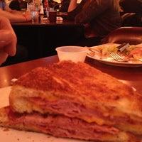 1/5/2013 tarihinde Octobre. 😎🌴🌵&🍂🍃🍁 T.ziyaretçi tarafından Overlook Restaurant'de çekilen fotoğraf