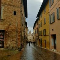 Photo taken at Urbino by Elias L. on 11/11/2016