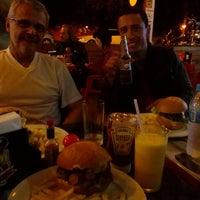 Photo taken at Touchdown Burger & Wings by Renan S. on 5/5/2014