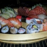 Foto tirada no(a) Jun Japanese Food por Vanessa A. em 2/13/2014