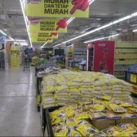 Photo taken at Giant Hypermarket by A S. on 10/25/2013