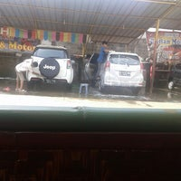 Photo taken at Dinar car wash by Lia H. on 5/17/2015
