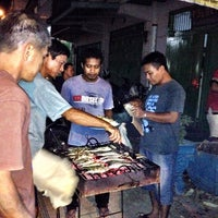 Photo taken at Mesjid raya bau-bau by Achil S. on 6/18/2014