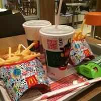 Photo taken at McDonald's by Rafaela S. on 6/19/2014