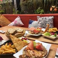 3/8/2017 tarihinde Asiye K.ziyaretçi tarafından Gaja Garden Cafe & Hookah/Lounge'de çekilen fotoğraf
