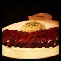 Foto tirada no(a) Outback Steakhouse por Rafael C. em 10/13/2012