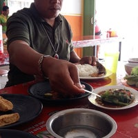 Photo taken at Pecel Lele Mbak Mar by Eka Y. on 6/14/2015