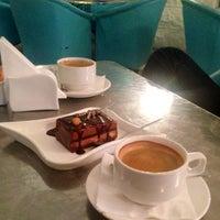 Photo taken at Med Cafè by Abdulrahman S. on 7/23/2014