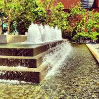 Снимок сделан в Yerba Buena Gardens пользователем Michael F. 5/15/2013