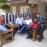 Photo taken at Drag Ayvalik Tost Cafe by Sarı S. on 4/25/2014