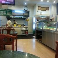Photo taken at Restoran Original Penang Kayu Nasi Kandar by serimuka on 2/24/2013
