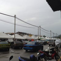 Photo taken at Bazar Ramadan Pantai Remis by faizul p. on 7/13/2013