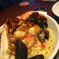 Photo taken at Red Lobster by Muna A. on 3/21/2014