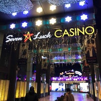 Photo taken at Seven Luck Casino by イワダイ on 12/17/2017