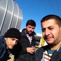 Photo taken at Tosmur Guzeller Kahvalti Salonu by Tunahan Ç. on 12/5/2015