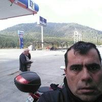 Photo taken at M Oil Benzin Īstasyonu by Osman (SÜLEYMAN) C. on 12/10/2015