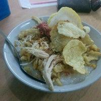 Photo taken at Roti Bakar Wiwied by David S. on 7/10/2015