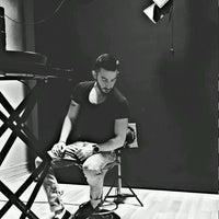 Photo taken at Stüdyo Kemiksiz Şube by Ozan A. on 9/9/2016