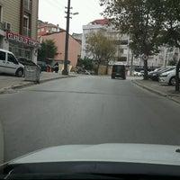 Photo taken at Akbank İbrahimağa Gebze Şubesi by ÖZGÜR A. on 10/5/2016