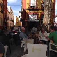 Foto tomada en Artefacto Bar Vinos & Copas por Carmen C. el 3/9/2014
