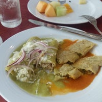 Photo taken at El Mediterráneo Restaurant by Carolina C. on 8/16/2015