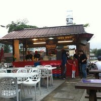 Photo taken at Burger Bakar Abang Burn by AmAn ا. on 1/12/2013