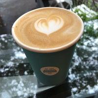 Снимок сделан в Joe: The Art of Coffee пользователем Ellen 9/19/2017