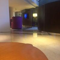 Foto tomada en Lobby Lounge por Claudio R. el 3/15/2016