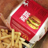 Photo taken at McDonald's & McCafé by Meeya A. on 5/26/2018