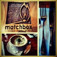 Foto tirada no(a) Matchbox Vintage Pizza Bistro por Jason C. em 3/24/2013