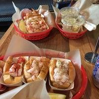Foto scattata a Luke's Lobster da Gastón V. il 2/20/2016