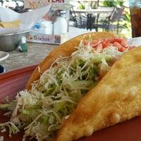 Foto tomada en La Parrilla Mexican Restaurant por Steve S. el 6/23/2016