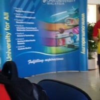Photo taken at Open University Malaysia, Sabah (OUM) by Hilyadi J. on 7/13/2014