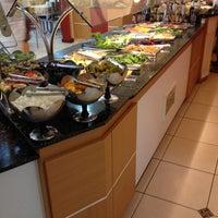 Photo taken at Nutri Vida Restaurante by Rafael H. on 9/19/2014
