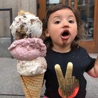 Foto diambil di Van Leeuwen Artisan Ice Cream oleh Mike C. pada 5/28/2018