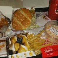 Photo taken at Kentucky Fried Chicken by Yasemin U. on 1/31/2015