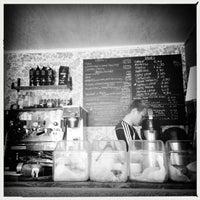 5/31/2013 tarihinde Kari K.ziyaretçi tarafından Brooklyn Cafe'de çekilen fotoğraf