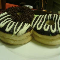 Photo taken at Kindys Donuts & Coffee - Stasiun Purwokerto by Lij Imam N. on 2/8/2013