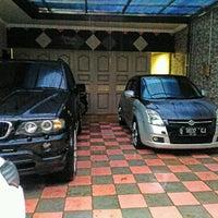 Photo taken at Di Suatu Tempat by Herry B. on 2/13/2017