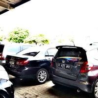 Photo taken at Bursa Mobil Serba OTO Palem Semi by Herry B. on 9/10/2014