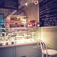 2/28/2013 tarihinde Emiliya S.ziyaretçi tarafından Café Ma Baker'de çekilen fotoğraf