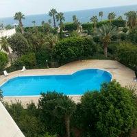 Photo taken at suntasa otel by Yılmaz K. on 8/14/2015