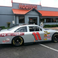 Photo taken at Hooters of Wolfchase by Peter N. on 6/2/2013