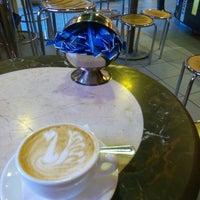 Снимок сделан в CoffeeHot пользователем Zh Z. 3/10/2016