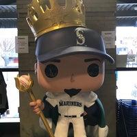 Foto tirada no(a) Mariners Team Store por Karen em 1/27/2018