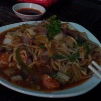 Photo taken at Restoran Dong Yi Shun by Kenny W. on 2/23/2014