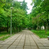 Photo taken at Аллея у ЦУМа by hoppee on 5/6/2017
