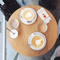 Das Foto wurde bei kaffemik von anna h. am 2/7/2015 aufgenommen